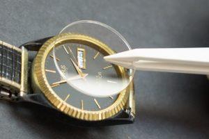 腕時計の風防(ガラス)交換