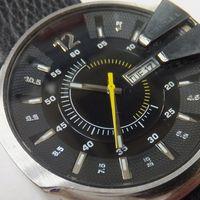 DIESEL(ディーゼル)メンズ腕時計デイデイト 針修理後 DZ1295