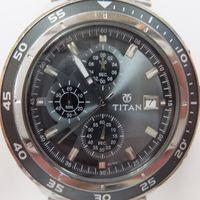 TITAN(タイタン)メンズ腕時計クロノグラフ 9466KKA ガラス洗浄・磨き後 正面