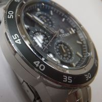 TITAN(タイタン)メンズ腕時計クロノグラフ 9466KKA ガラス洗浄・磨き後